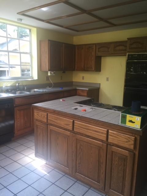 Kitchen Before1